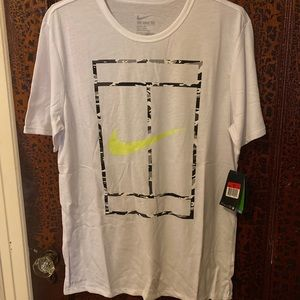 NWT Nike Men's Tennis T-Shirt (Dri-Fit Tee) LARGE